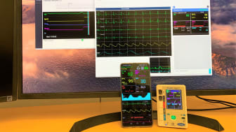 Infiniwell EKG måler og 5G telefon