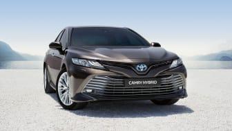Forhåndssalget er i gang: Prisene er klare for nye Toyota Camry Hybrid som lanseres i mai 2019. Foto: Toyota