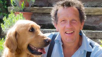 Pressbild på Monty Don och hunden Nigel.