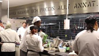 Examensdags för första klassen i Astar och Scandics kockskola – alla får jobb