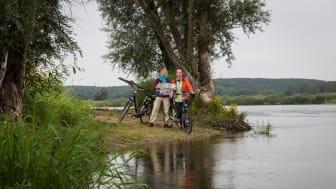 Mit dem Fahrrad an der Oder unterwegs (TMB-Fotoarchiv/Yorck Maecke)