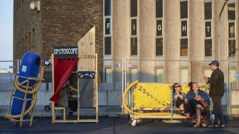 Parkeringshuset – Toppen af Føtex Parkeringshus i Kolding forvandles til en kunstfestival for unge med kunst, talks og musik.