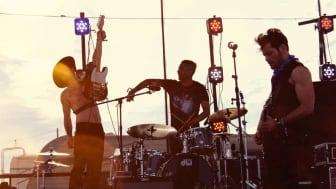 Countryartisten Ry Bradley og bandet hans vitjar Dyrdal og Flåm i sommar.