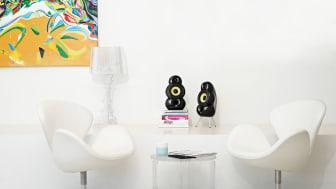 An unforgettably voluptuous form define the MiniPod speaker