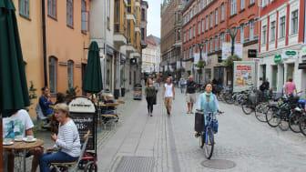 En ökad förståelse bland Sveriges kommuner om hur stadsbyggande påverkar trafikalstring och bilinnehav är av stor betydelse för att vi ska uppnå Sveriges energi- och klimatmål.