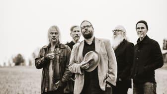 Hoven Droven firar 30 år med ny musik och nu är albumet Trad här!
