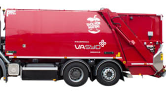 Nya röda avfallsbilar ersätter vita