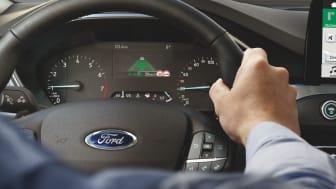 Az év leghosszabb világos napján debütál a Ford Focus új fejlesztésű Head-up display technológiája