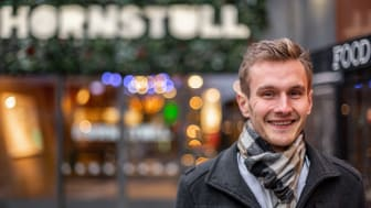 White Monday-grundaren Henning Gillberg får Erikshjälpens utmärkelse Sveriges Second Hand Profil 2020.