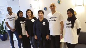 Invånarguiderna i Västra Hisingens stadsdelsförvaltning heter från vänster: Abdulahi, Layla, Bedia, Gladys, Saman och Amino.