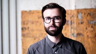 """""""På samma sätt som vi ska vara proaktiva med att stoppa smittspridning ska vi vara proaktiva för att förhindra spridningen av felaktig information och desinformation"""", säger Johan Farkas. Foto: Håkan Röjder"""