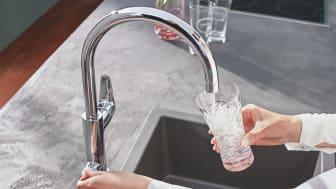 Hemmajobb till trots: Så lite vatten dricker svenskarna hemma
