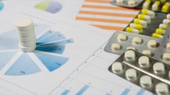 Tallene viser at myndighetene nå har fått god kontroll på utgiftsveksten for legemidler. Samtidig gjør utviklingen den økonomiske situasjonen for apotekene mer krevende, sier Oddbjørn Tysnes i Apotekforeningen. (Shutterstock)