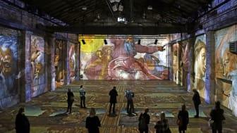 """Blick in die Ausstellung """"Leonardo da Vinci- Raffael- Michelangelo. Giganten der Renaissance"""" © Vivien Kampa"""