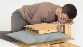 Shuai Li has developed a self-directed CPR kit consisting only of cardboard and a smartphone app. Photo: Shuai Li