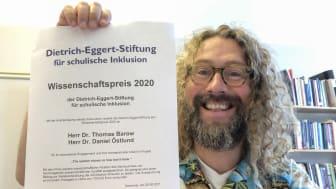 Daniel Östlund och forskarkollegan Thomas Barow har fått vetenskapspriset 2020 av tyska Dietrich Eggert Stiftung für schulische Inklusion.