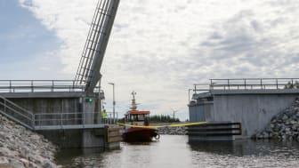 Bondökanalen öppnades för båttrafik torsdag den 23 juni