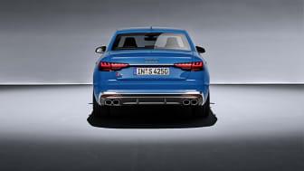 Audi S4 Limousine (turboblå)