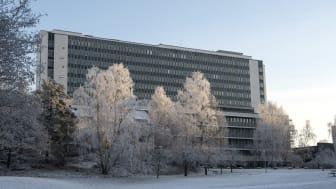 Danderyds sjukhus går från stabsläge till förstärkningsläge som innebär att beredskapen stärks ytterligare.