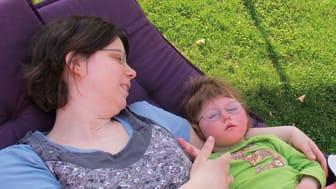 Anne Hawranke mit ihrer Tochter Judith im Kinderhospiz Bärenherz
