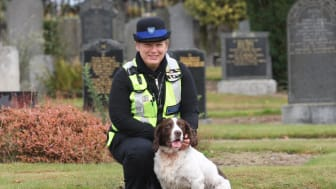 Community Warden Donna Jamieson and Hacky the springer
