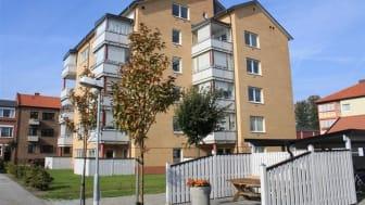 Bilden visar en av Svenska Bostadsfondens fastigheter i Trelleborg.