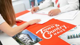 Immer mehr Menschen bauen mit dem Massivhausanbieter Town & Country Haus.