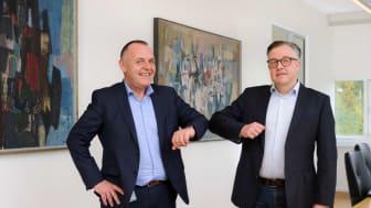 Bredbåndsdirektør hos Energi Fyn, Carsten Nedergaard Hansen og admin. direktør i Telenor Lars Thomsen