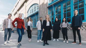 Från vänster i bild:  Viktor  Nordling, Mika Lindblad, Linnea Lundmark, Mohammad Mohammad, Ami Olin Nordenmarker, Matilda Thorup, Linn Thomessen, Petter Henfridsson. Fotograf:  Bea Holmberg.