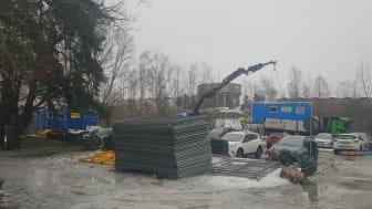 NCC:s byggbodar forslas bort från discgolfparkens parkering en vecka efter att ett tillsynsärende om olovlig etablering upprättats.