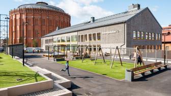 Bobergsskolan är en nybyggd grundskola i Norra Djurgårdsstaden och invigdes i augusti 2019. Projektet kommer presenteras på Arkitekturdagen på Nordbygg den 24 april.