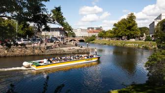 Paddanbåtarna i Göteborgs kanaler.