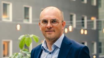 Tuomo Mertaniemi, KTM, on tehnyt vaikuttavan uran rakennus- ja rahoitusalalla.