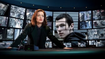 Holliday Grainger og Callum Turner spiller hovedrollerne i The Capture, som får premiere på C More den 26. november.