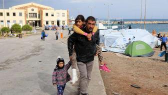 Asad, från Irak, kom till ön Chios via Egeiska havet i november 2016 med sin fru och sina fyra barn.