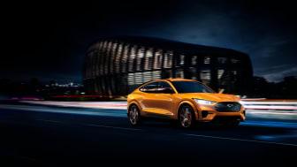 Ford viser frem nye Mustang Mach-E GT og tilbyr sterkt rabattert lading til alle Mustang Mach-E kunder