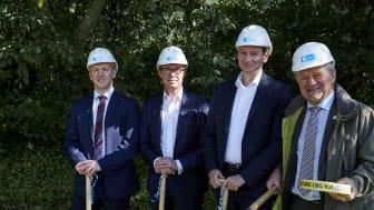 DG Geschäftsführer Dr. Stephan Zimmermann, Bürgermeister Josef Heyes, Wirtschaftsförderer Mike Bierwas, Stefan Tebbe von der Baufirma Artemis