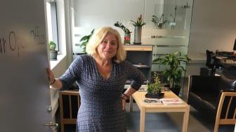 Allerede nu er der mindst et iværksættermiljø for hver af de syv kommuner i Trekantområdet, der er med i tilbuddet. Her er det Matilde Marini Amarchand fra Your Open Office i Billund, der sammen med IVER byder velkommen.