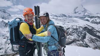 Beatrice Egli und Suzanne Hüsser auf dem Riffelhorn, Wallis (c) Schweiz Tourismus, Florence Gross