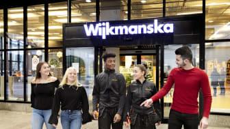 På Wijkmanska gymnasiet finns Teknikprogrammet, El- och energiprogrammet och Industritekniska programmet. Eleverna som startar till hösten 2019 kommer under året kunna ansöka om utökat program som heter Digital produktionstrainee.