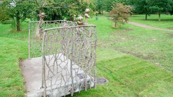 Barnens skulpturpark - Fågelkärlek