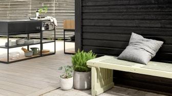 JOTUN 0734 Brunsvart Fasade - 8252 Green Harmony Benk - TREBITT 90029 Naturlig Sølvgrå Terrasse