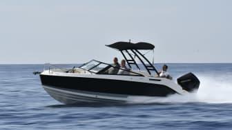 Quicksilver Bowrider 675 ligger perfekt i vandet