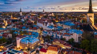 I Estlands huvudstad Tallinn möts tradition och modern kultur. Foto: Kaupo Kalda.