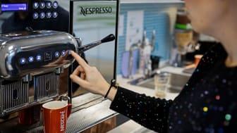 Mange forbrugere, der normalt foretrækker at handle i Nespressos fysiske butikker, købte under Corona-krisens begyndelse for første gang på deres kaffe på Nespressos hjemmeside.