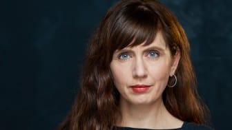 """Anne Elvedal er en av våre mest ettertraktede manusforfattere. Nå er hun aktuelle med ungdomstrilogien """"Dødens spill"""", bøker på høyde med det beste av engelsk og amerikansk ungdomslitteratur."""