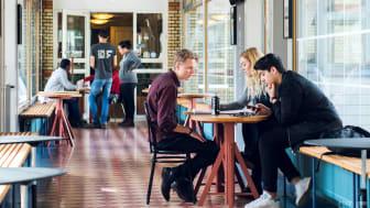 I år erbjuder Stena Fastigheter en ny typ av sommarjobb, förändringsagent. Sommarjobbet innebär att utveckla ett innovativt förslag på en digital lösning som ska öka tryggheten eller skapa en meningsfull fritid för hyresgästerna.