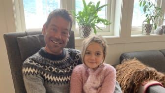 Espen Skjerven Holen venter på nye lunger. Her med midterste datter, Mie Karoline, 7 år