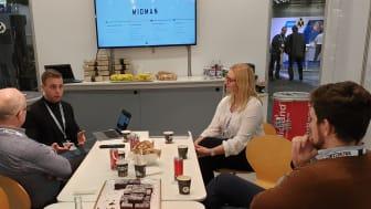 Alexander Fransson och Lisa Hanse föredrog digital servicebokning.