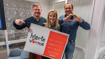 Thomas, Mari og Sten Willy fra Ishavskraft er på utkikk etter Hjertevarme bidrag. Foto: Marthe Eriksen.